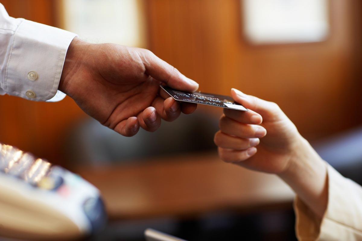 Получение кредитной карты по двум документам