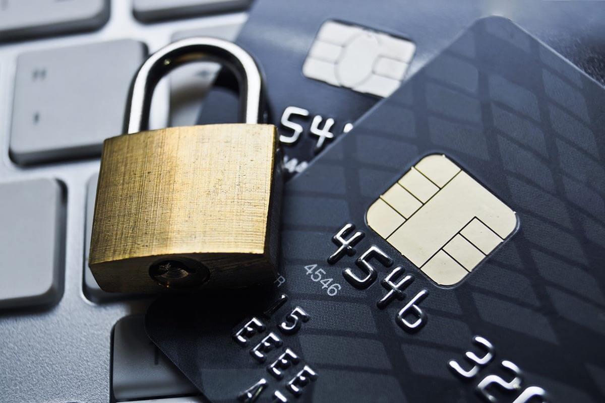 Фейковые кредитные карты