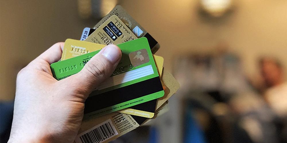 Для чего нужна дебетовая карта Сбербанка?