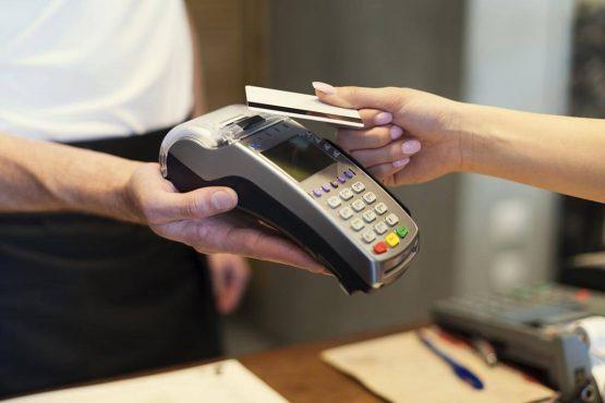Оплата картой в магазине