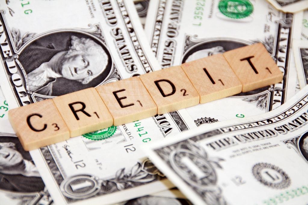 Что выгоднее уменьшать: срок кредита или ежемесячный платеж