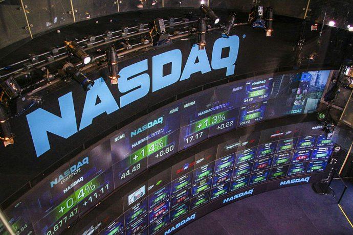 Американский индекс NASDAQ снова обвалился