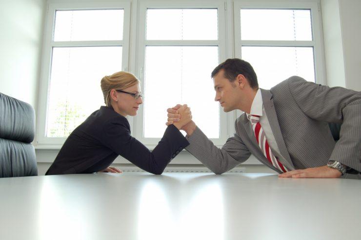 как делить долг супругам